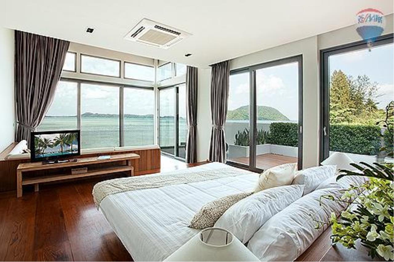RE/MAX Top Properties Agency's Eva beach front villas  2