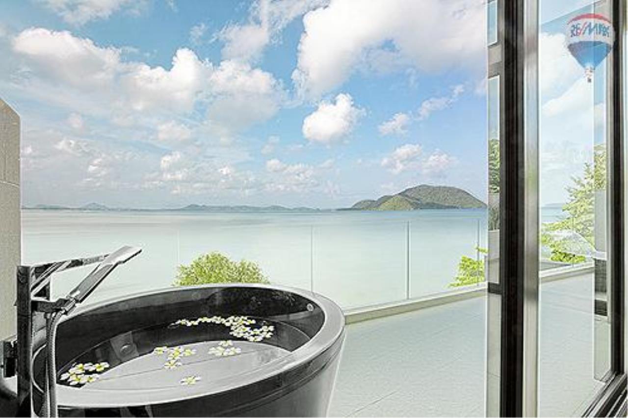 RE/MAX Top Properties Agency's Eva beach front villas  6