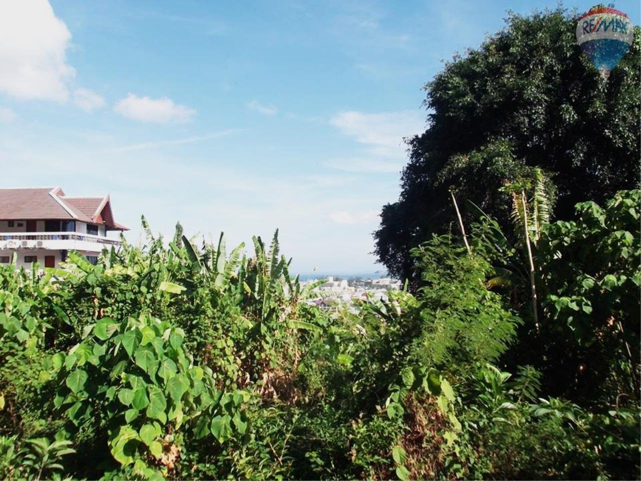 RE/MAX Top Properties Agency's 6369 Nanai soi 5 Patong , Phuket 83160. 5