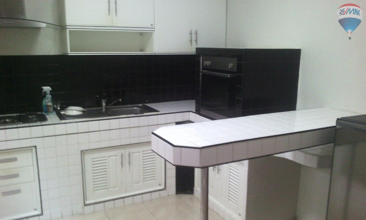 RE/MAX Top Properties Agency's Townhouse 2 bedrooms with kitchen for rent 2