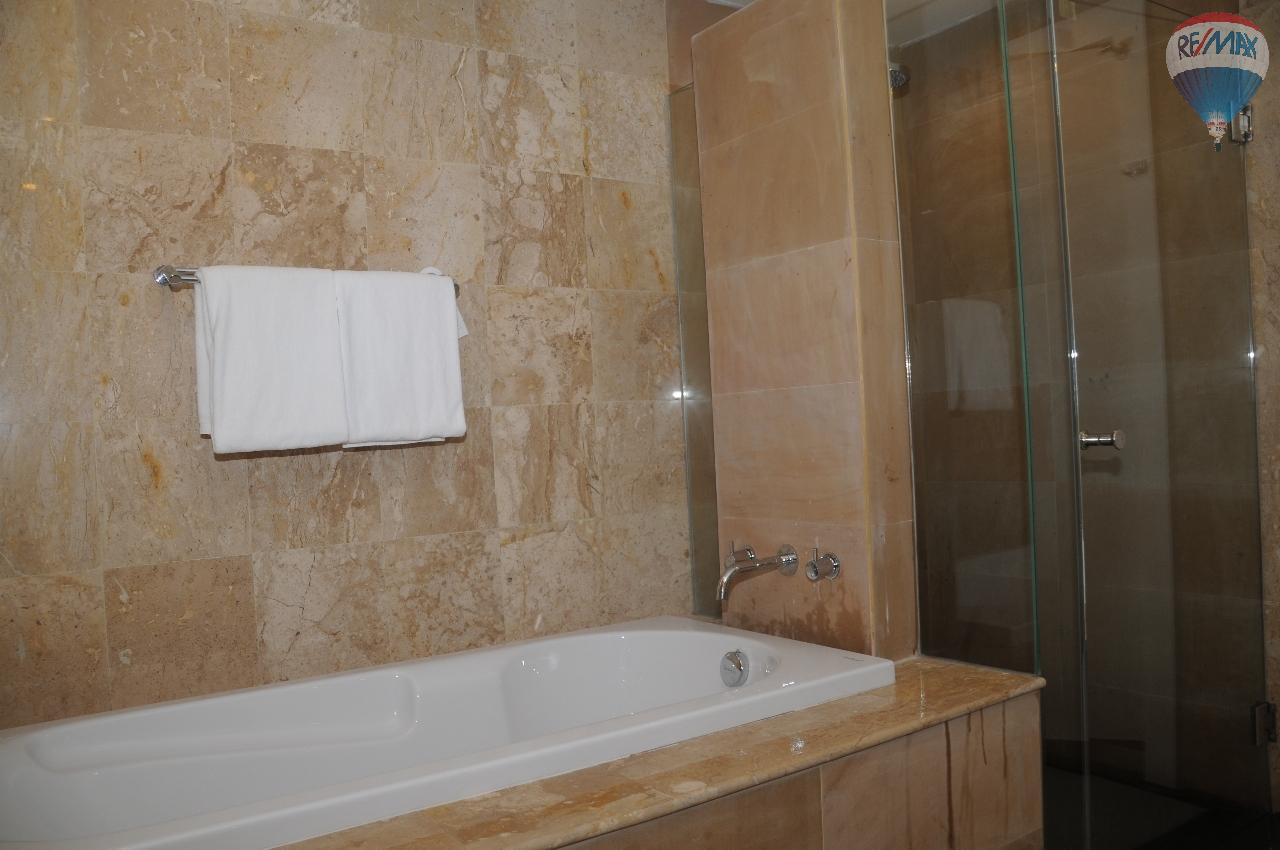 RE/MAX Top Properties Agency's Great 2 bedrooms condo with swimming pool access for sale 14