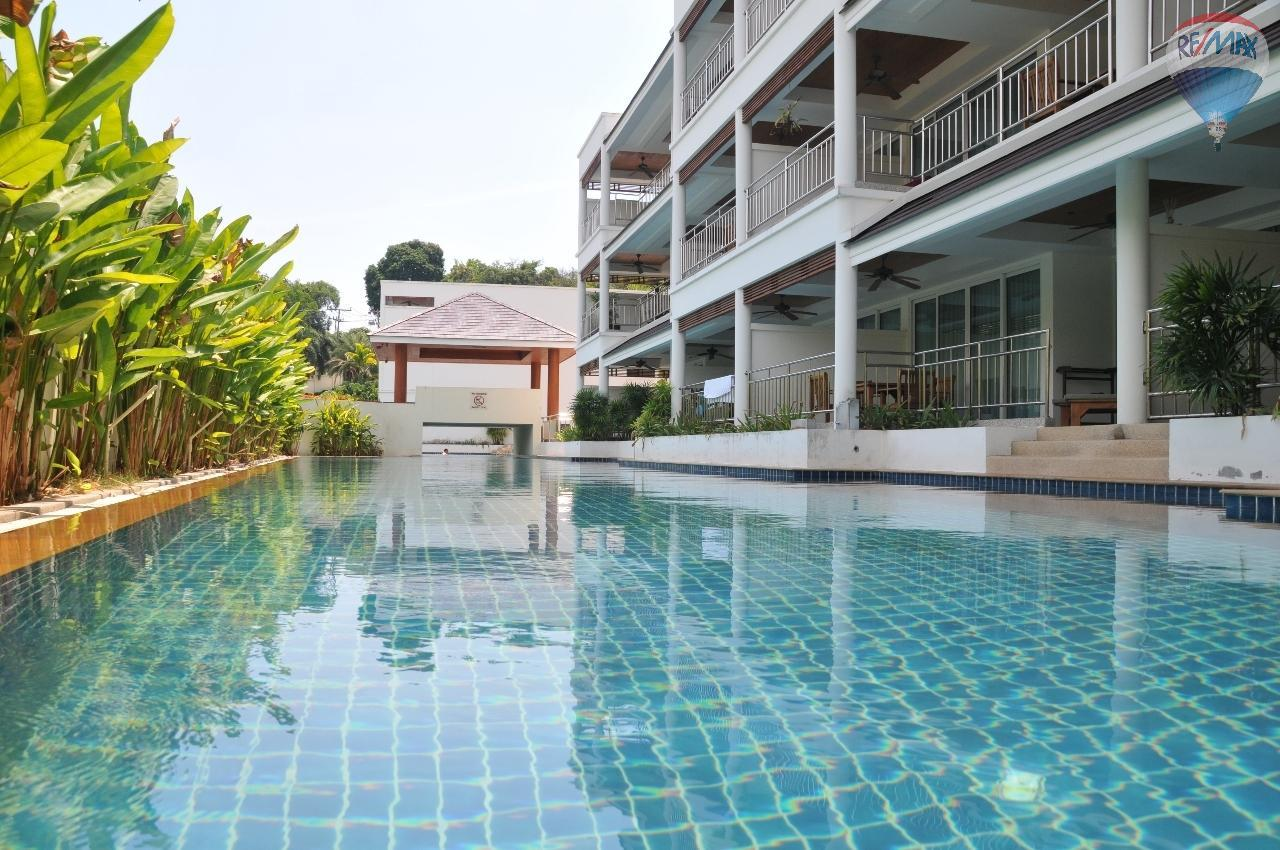 RE/MAX Top Properties Agency's Great 2 bedrooms condo with swimming pool access for sale 17
