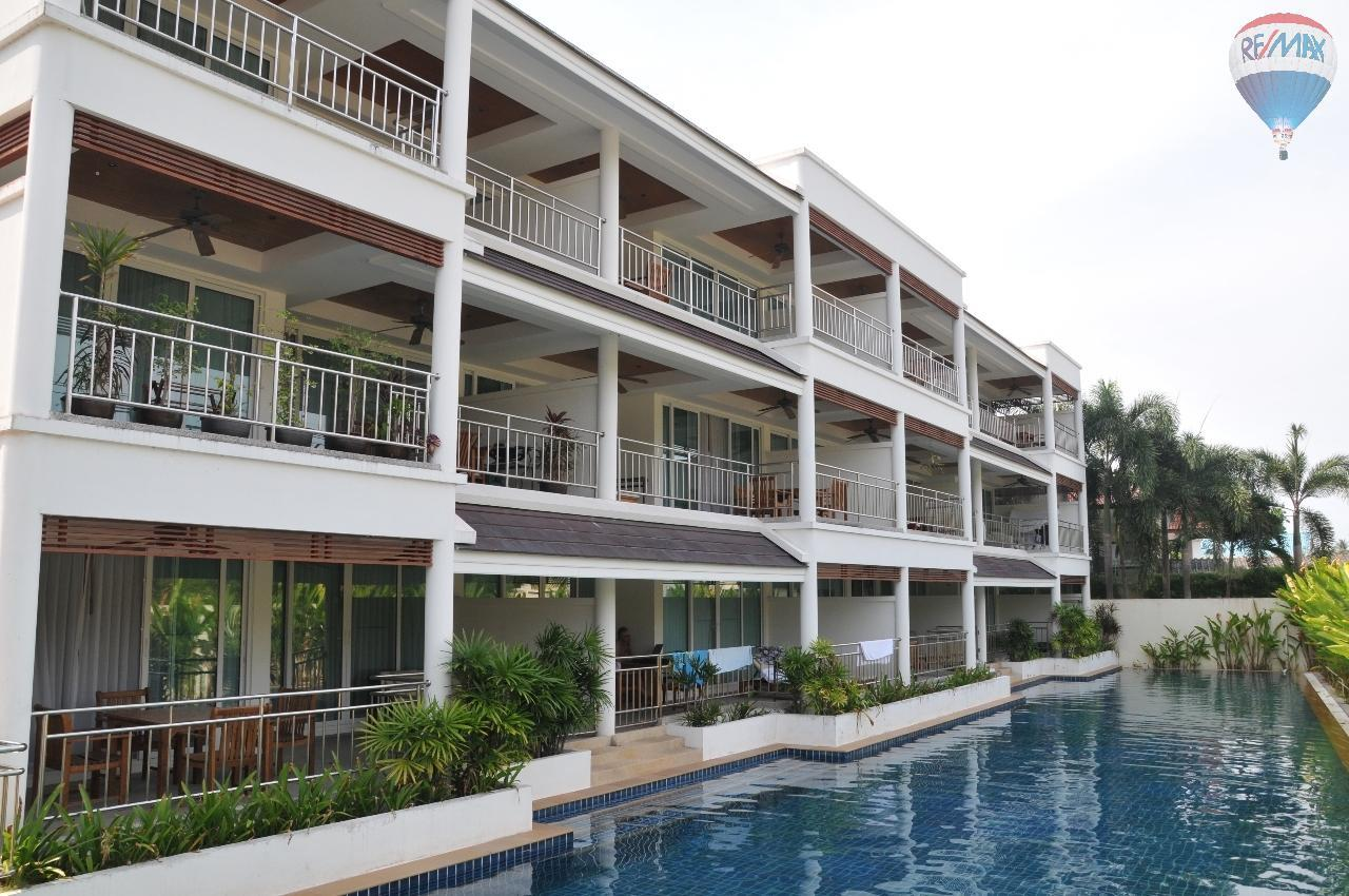 RE/MAX Top Properties Agency's Great 2 bedrooms condo with swimming pool access for sale 29