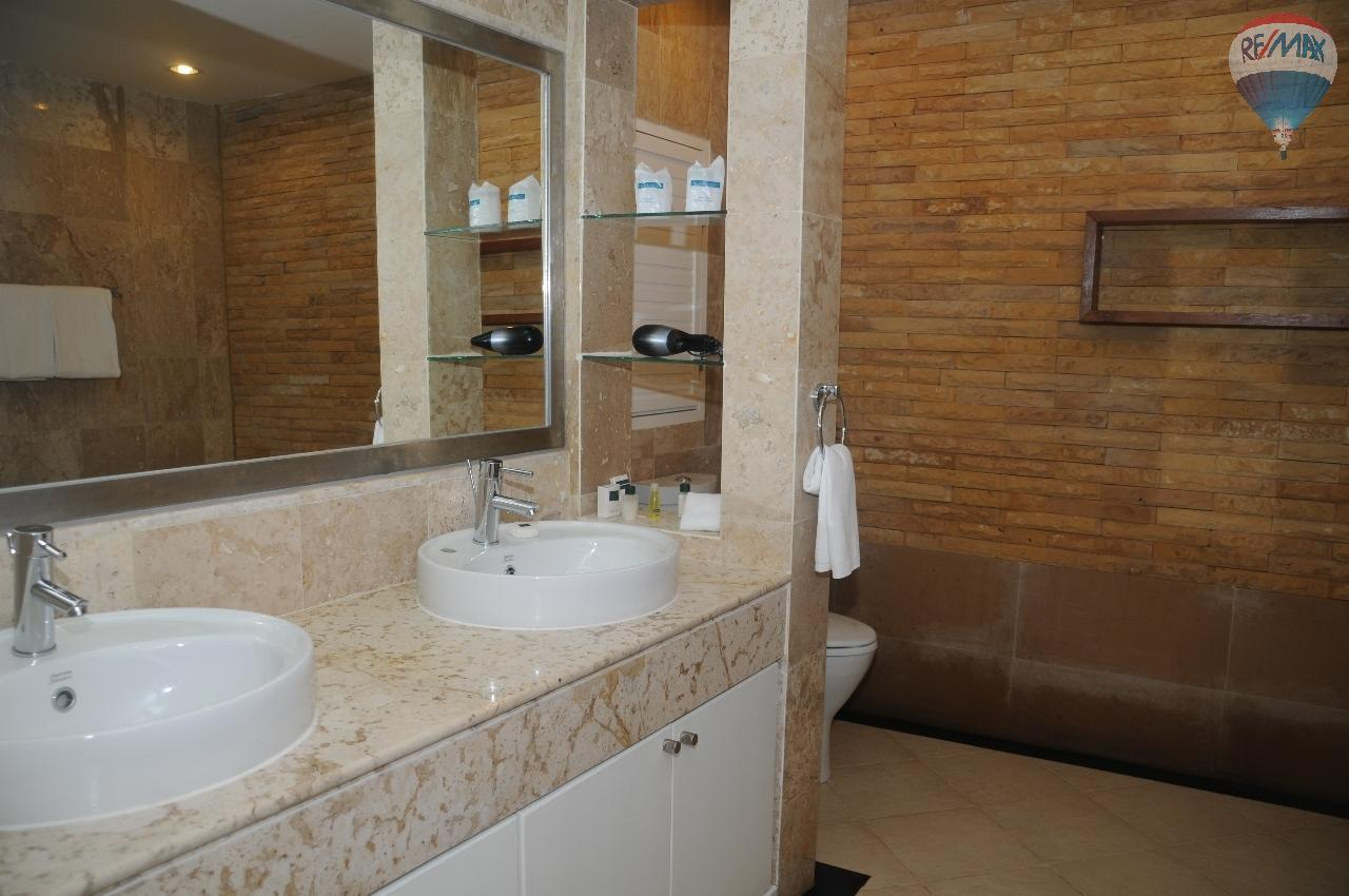 RE/MAX Top Properties Agency's Great 2 bedrooms condo with swimming pool access for sale 32