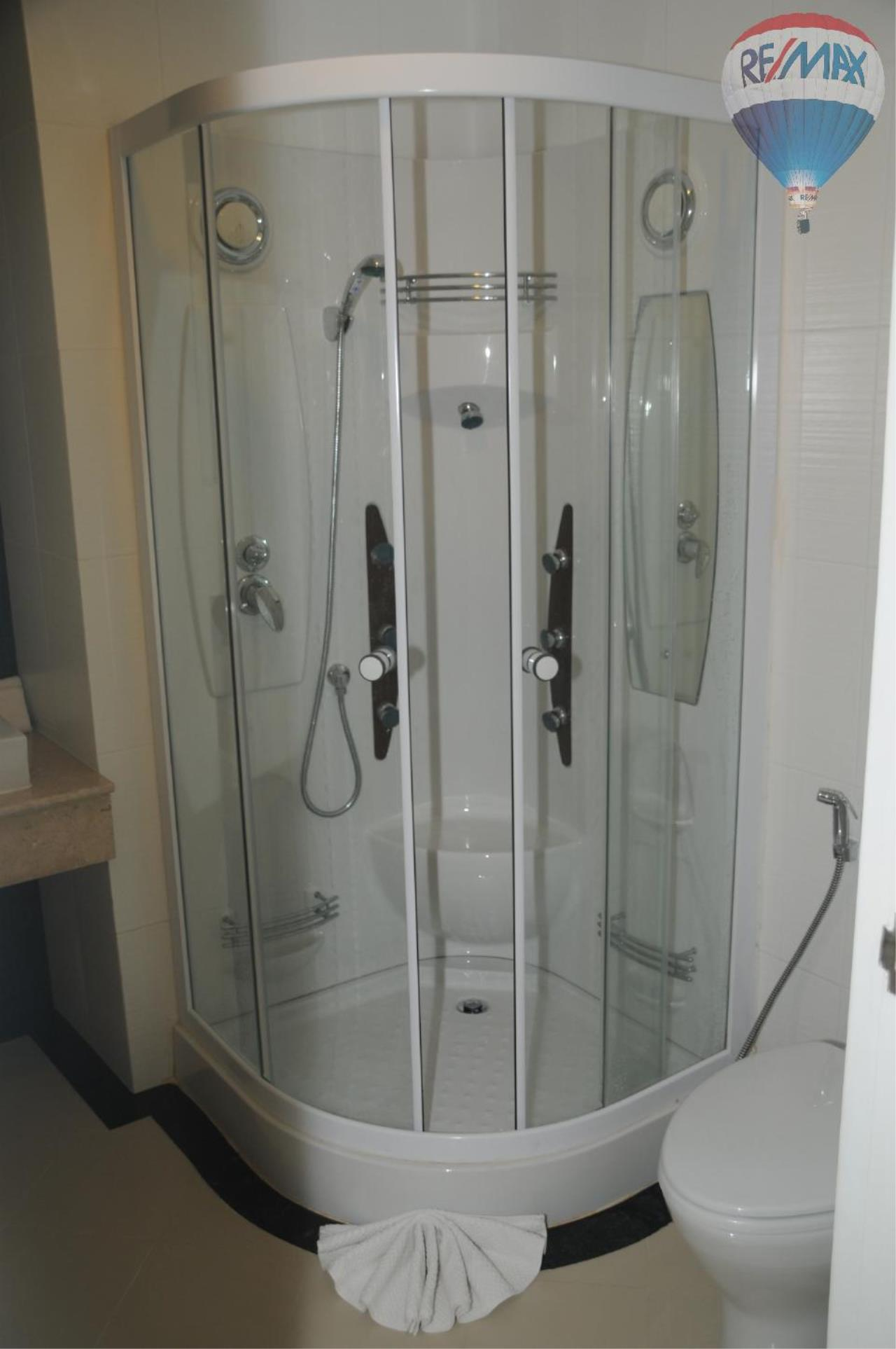RE/MAX Top Properties Agency's Great 2 bedrooms condo with swimming pool access for sale 41