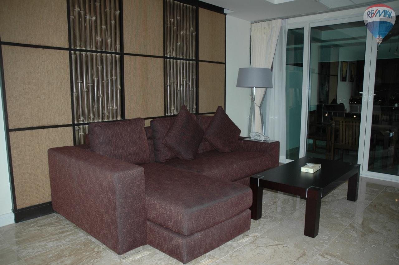 RE/MAX Top Properties Agency's Great 2 bedrooms condo with swimming pool access for sale 9