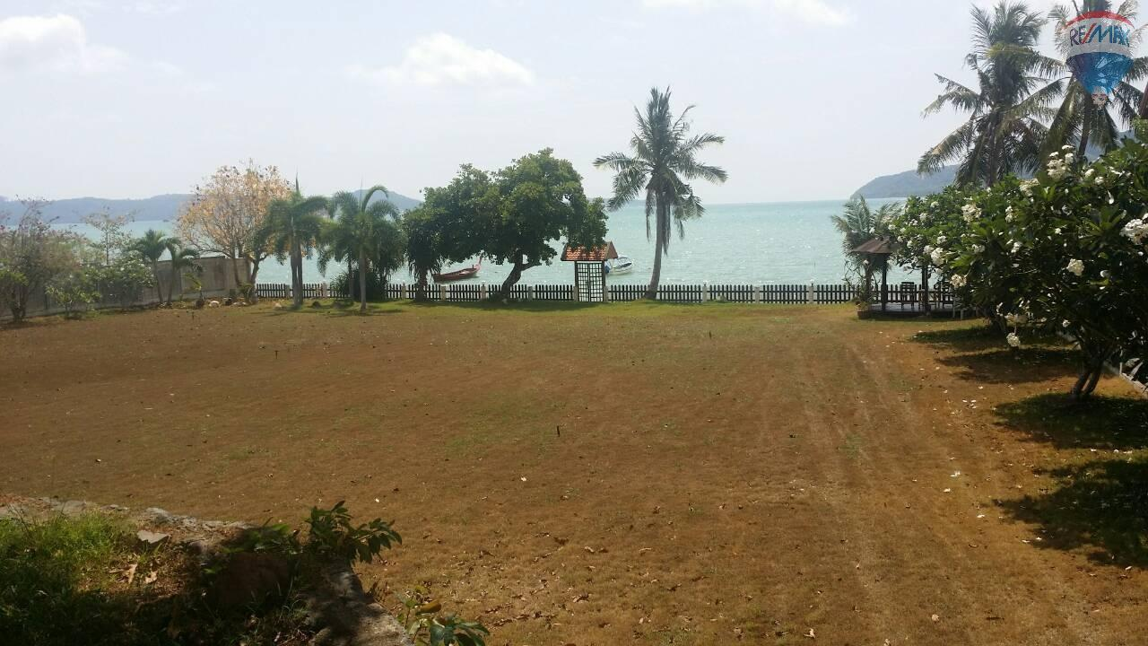 RE/MAX Top Properties Agency's Land For Sale Chalong Beach Front 6