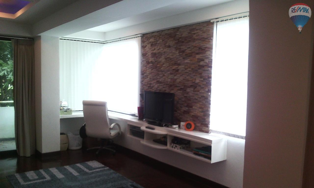 RE/MAX Top Properties Agency's Spacious 1 bedroom with large living room for sale at Kathu  1