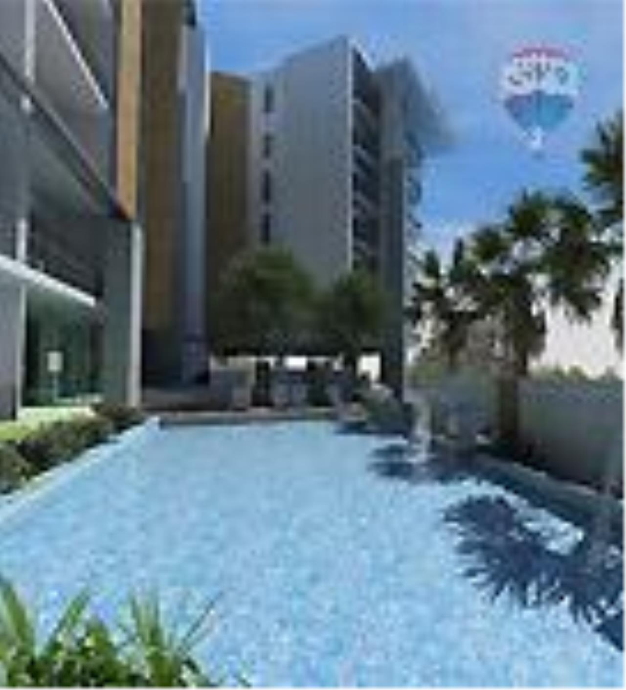 RE/MAX Top Properties Agency's Karon Close The Beach, Studio (52smq) For Sale/Rent  6