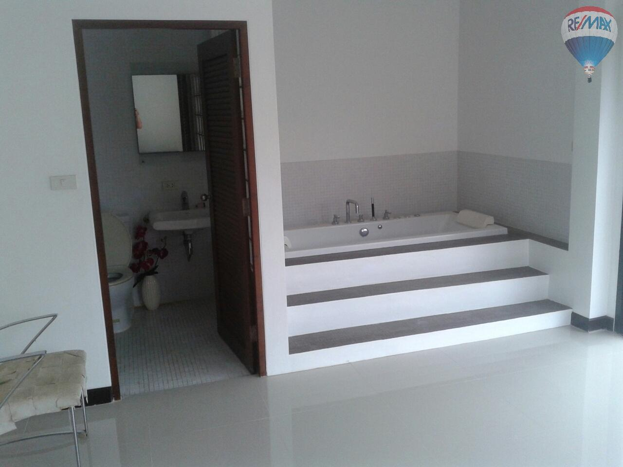 RE/MAX Top Properties Agency's Patong Great Villa For Sale 11