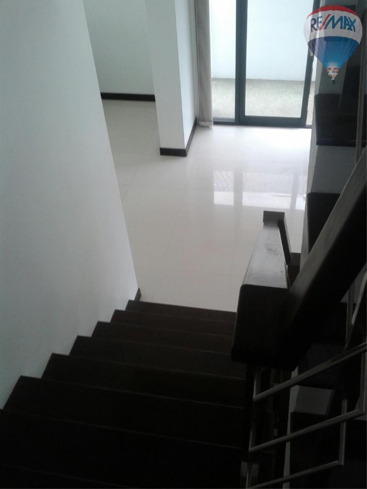 RE/MAX Top Properties Agency's Patong Great Villa For Sale 8