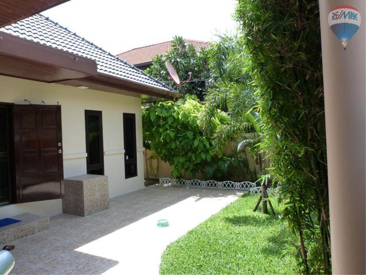RE/MAX Top Properties Agency's 3 Bedrooms Pool villa For Sale Rawai Beach 5