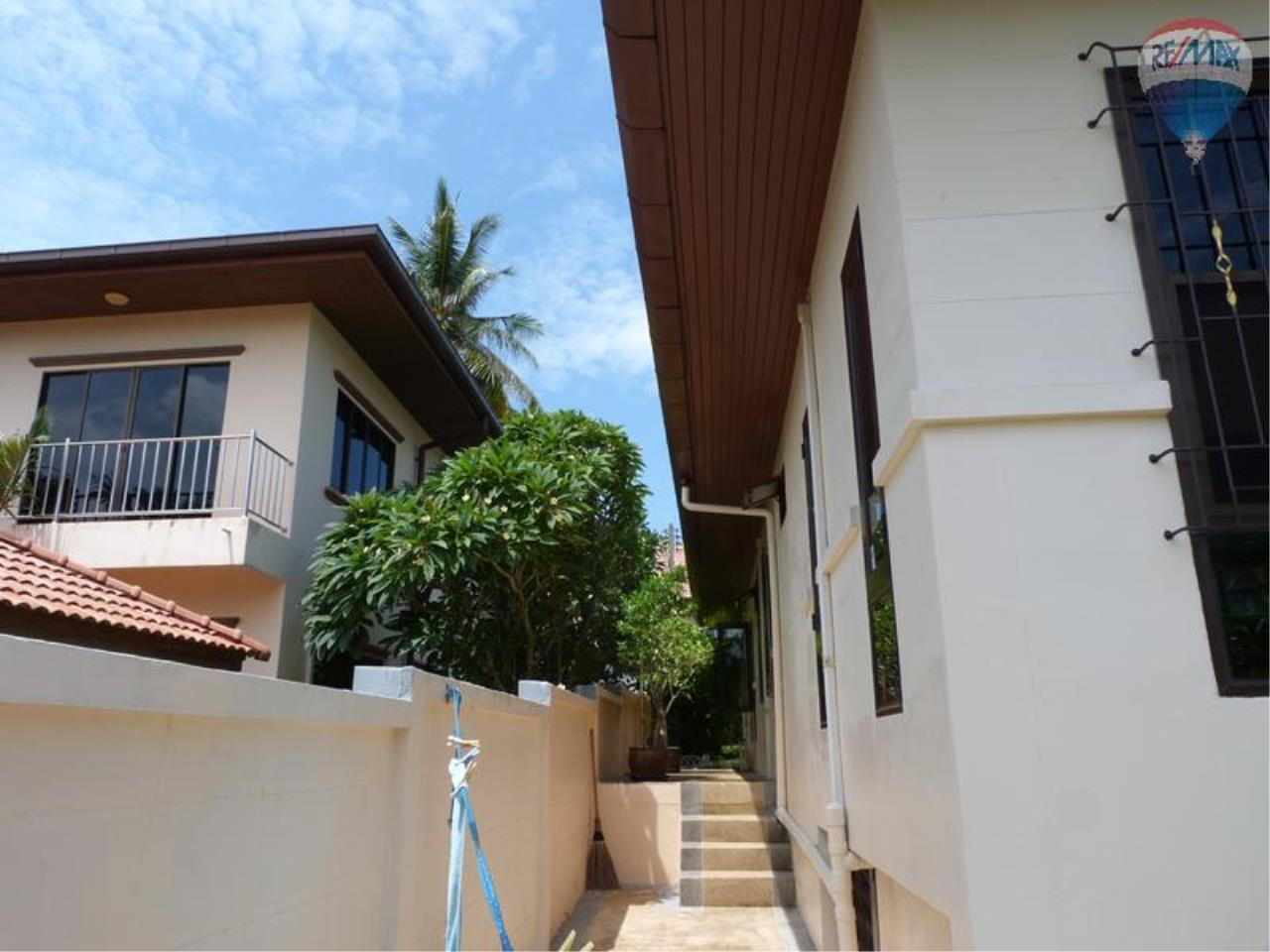 RE/MAX Top Properties Agency's 3 Bedrooms Pool villa For Sale Rawai Beach 6