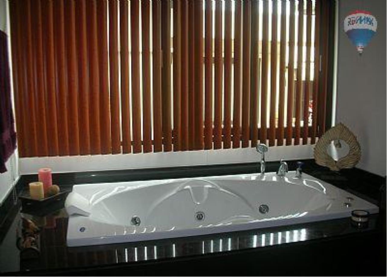 RE/MAX Top Properties Agency's Botanica Villa A5 Rent 10
