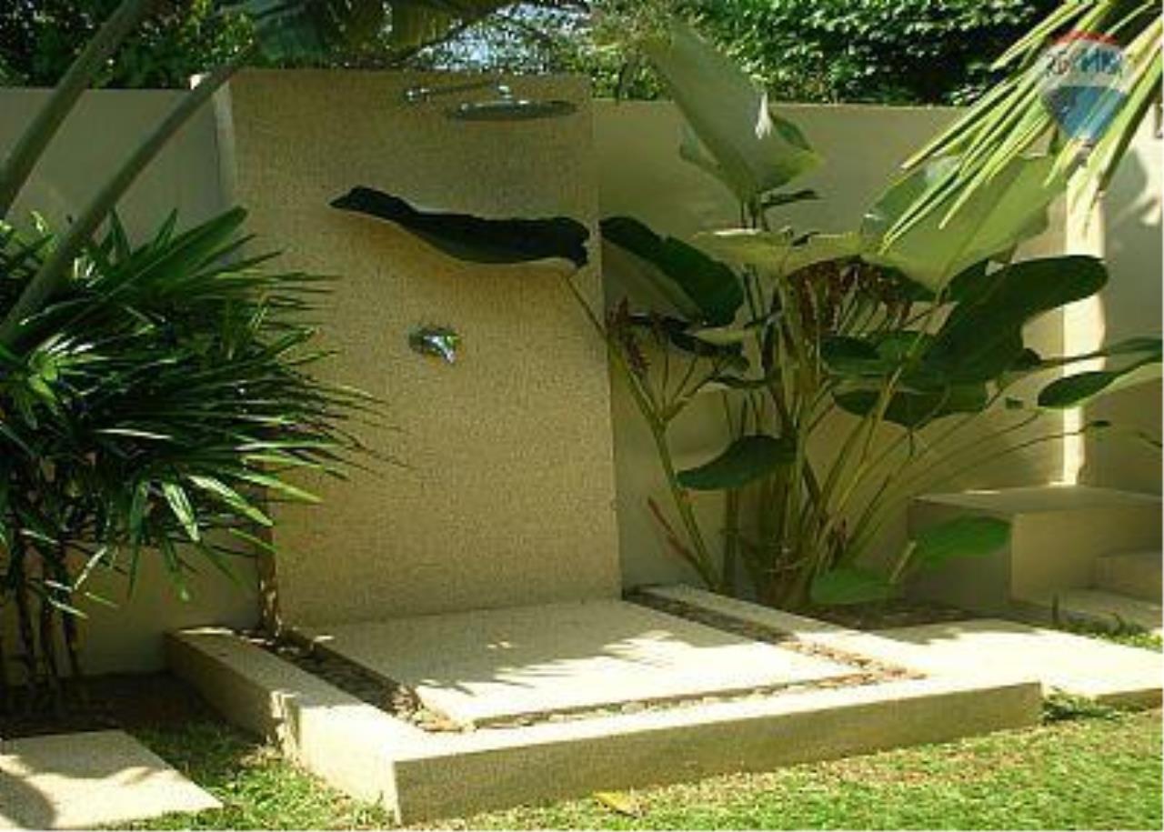 RE/MAX Top Properties Agency's Botanica Villa A5 Rent 4