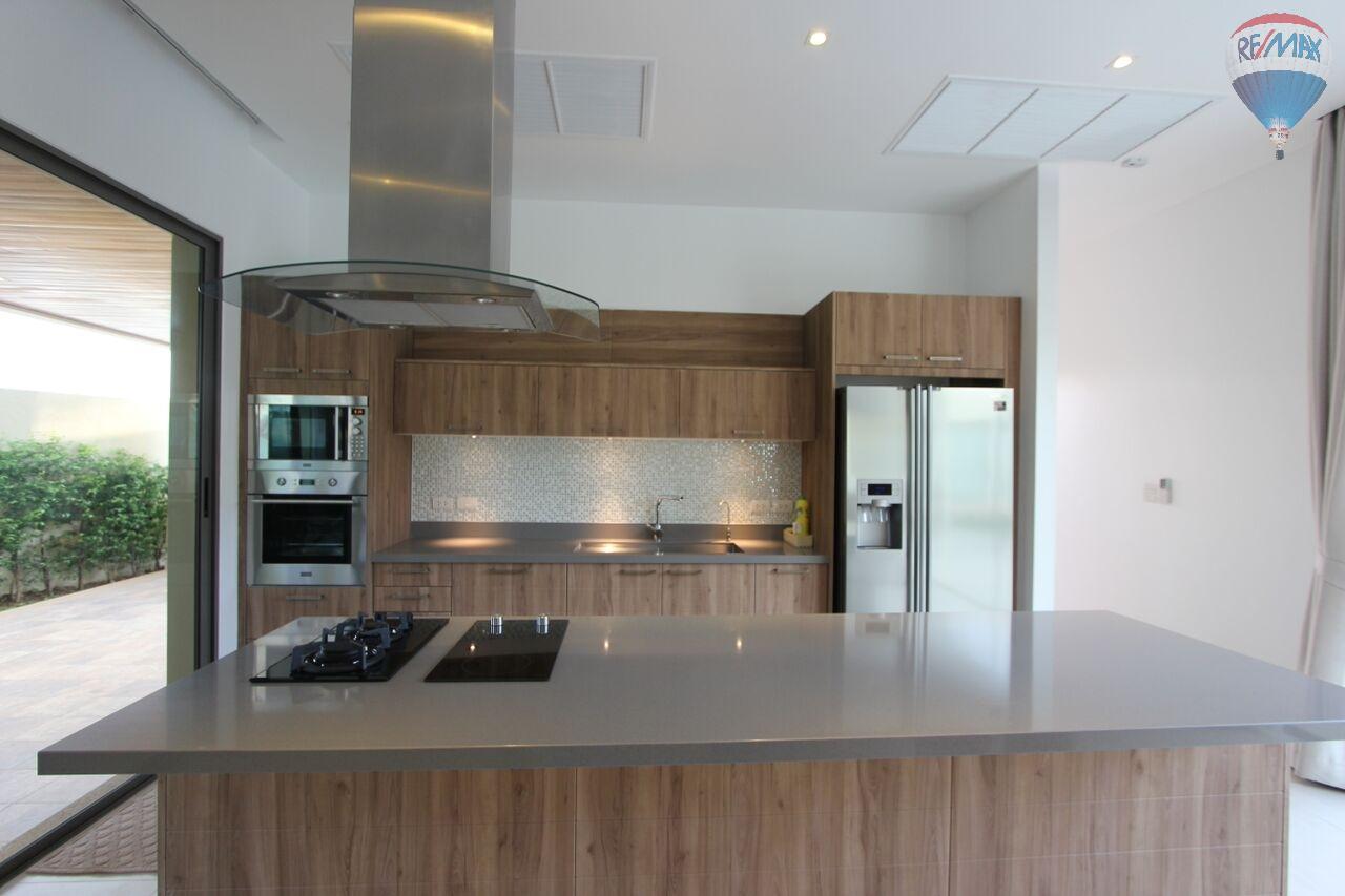 RE/MAX Top Properties Agency's Botanica villa B4 2