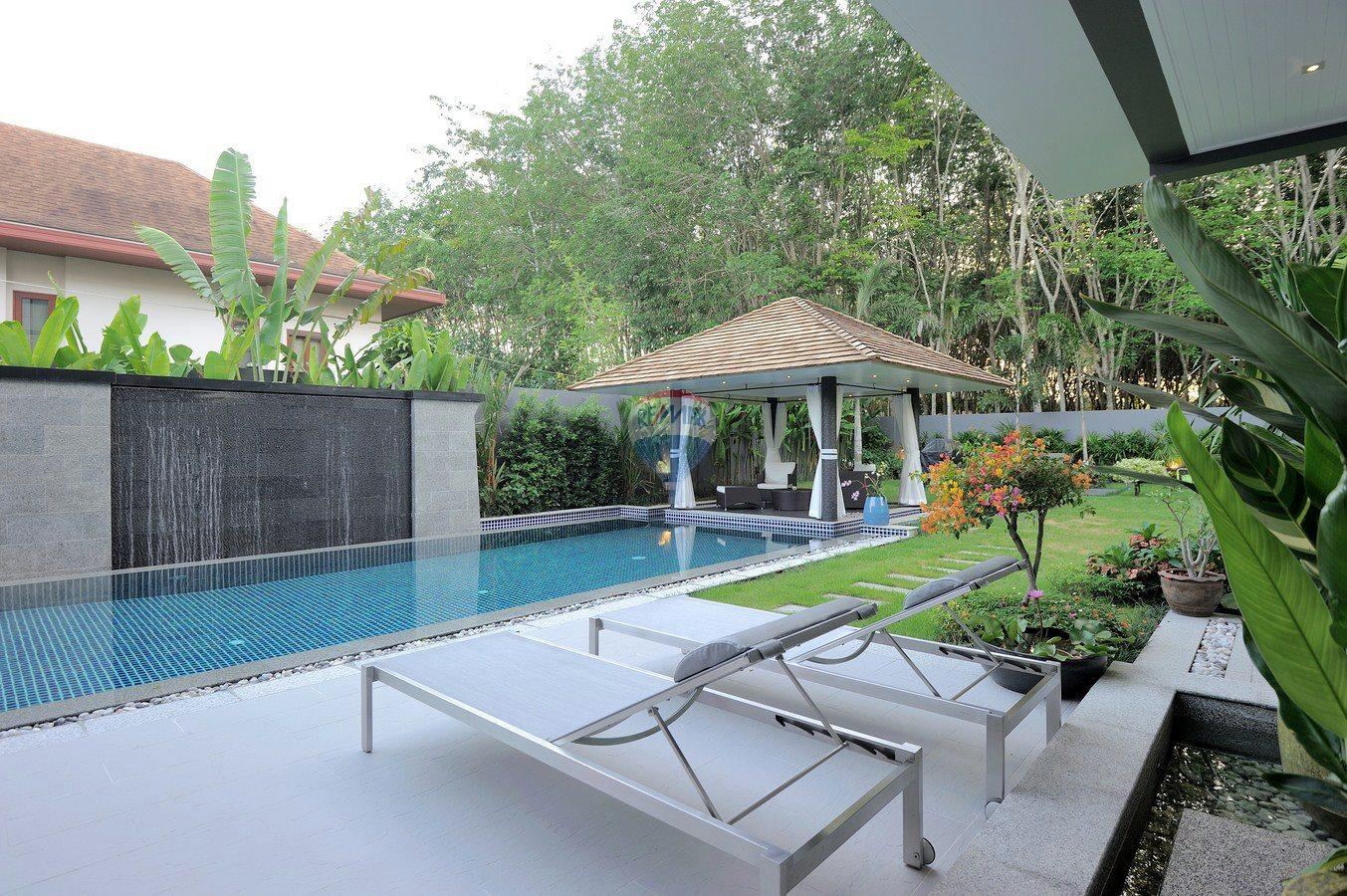 RE/MAX Top Properties Agency's Villa Modern and Extravagant 3 bedroom in Cherngtalay 21