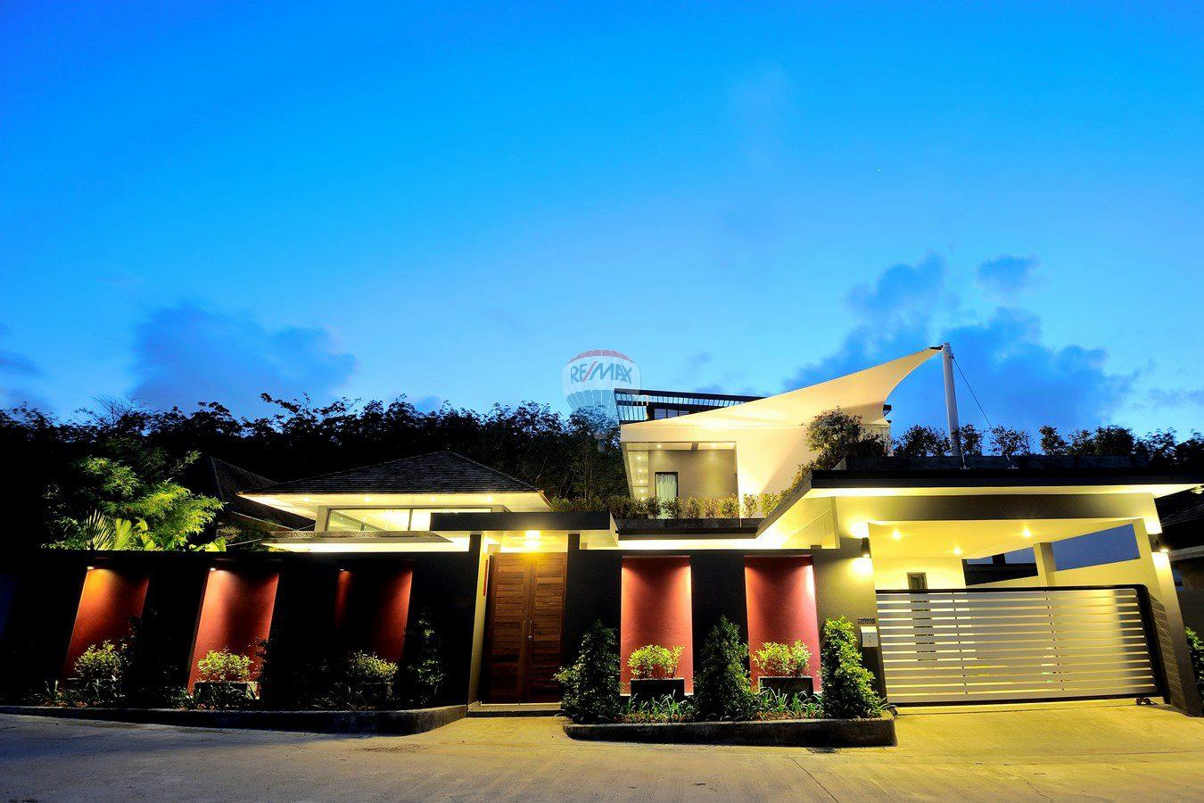 RE/MAX Top Properties Agency's Villa Modern and Extravagant 3 bedroom in Cherngtalay 26
