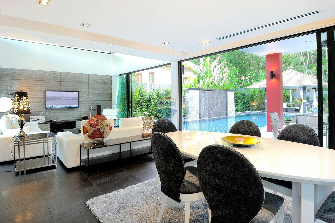 RE/MAX Top Properties Agency's Villa Modern and Extravagant 3 bedroom in Cherngtalay 3