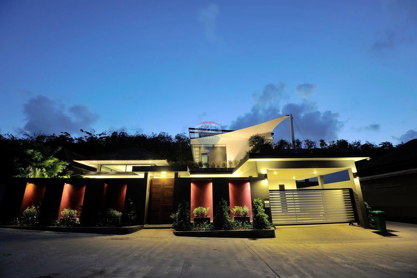 RE/MAX Top Properties Agency's Villa Modern and Extravagant 3 bedroom in Cherngtalay 31