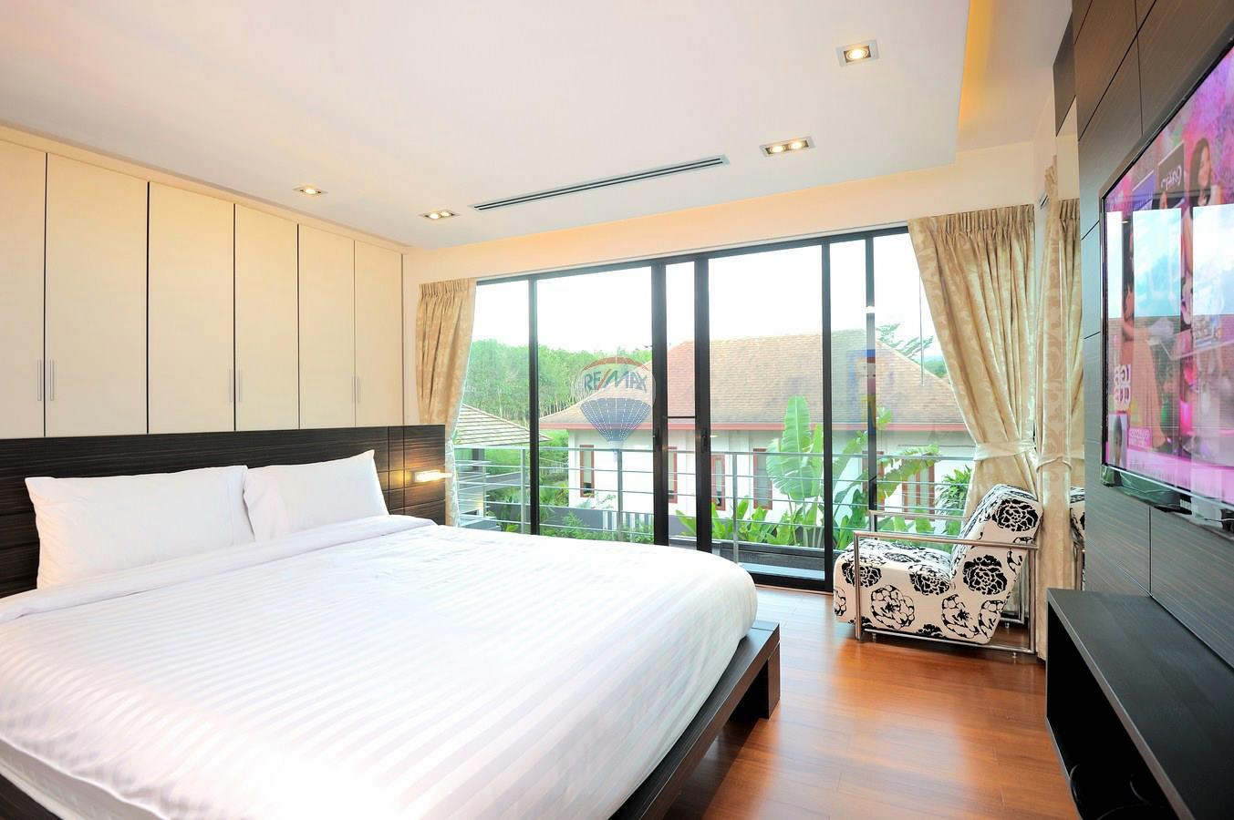 RE/MAX Top Properties Agency's Villa Modern and Extravagant 3 bedroom in Cherngtalay 5