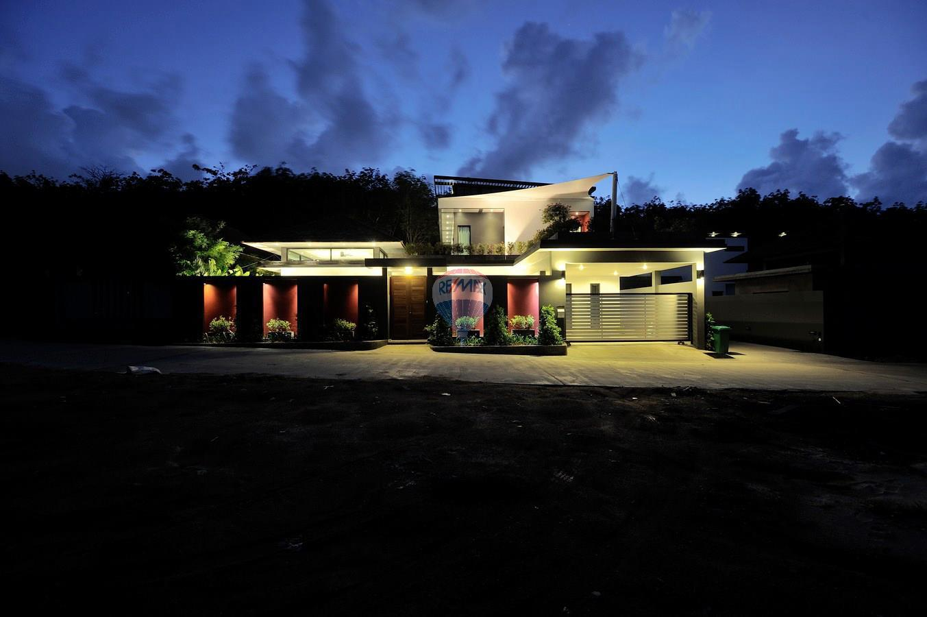 RE/MAX Top Properties Agency's Villa Modern and Extravagant 3 bedroom in Cherngtalay 9
