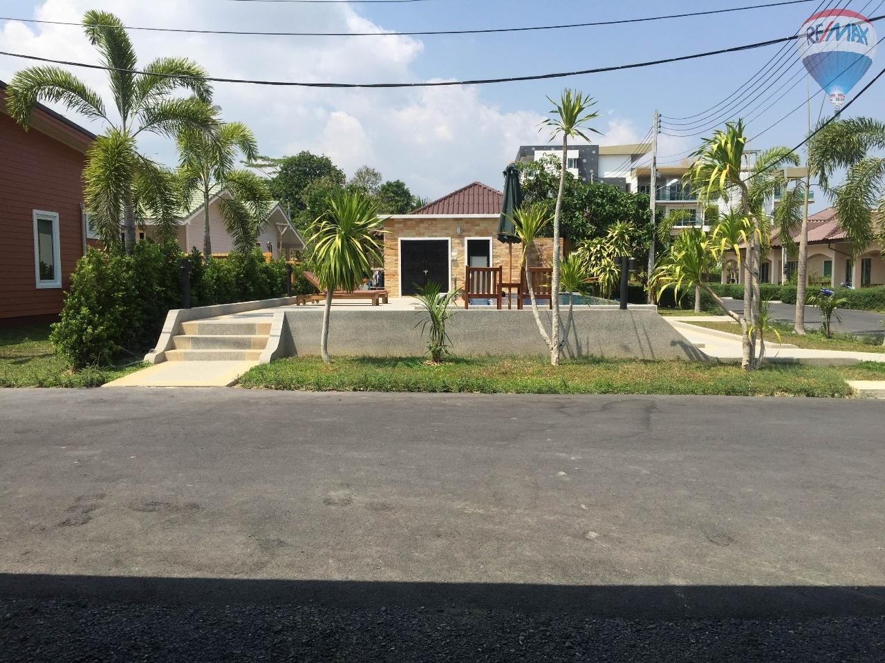 RE/MAX Top Properties Agency's Pool Bungalow near Chalong Bay 1 Bed 6