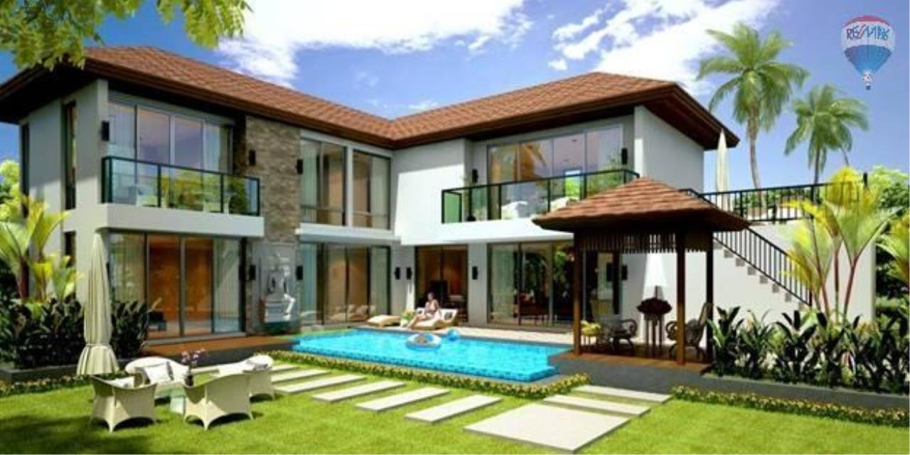 RE/MAX Top Properties Agency's Twin House   Villa Pool 1