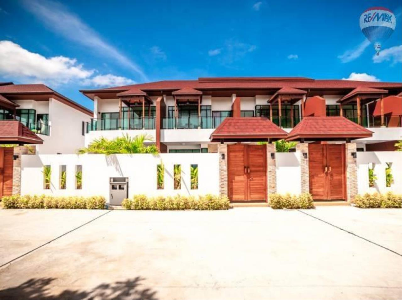 RE/MAX Top Properties Agency's Twin House   Villa Pool 3