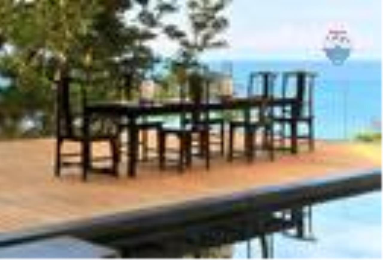 RE/MAX Top Properties Agency's Malaiwana Penthouse 6