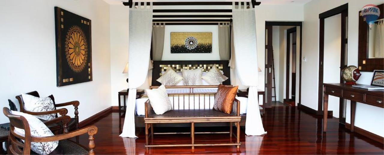 RE/MAX Top Properties Agency's For Sale Luxury Villa Naiharn Phuket 13
