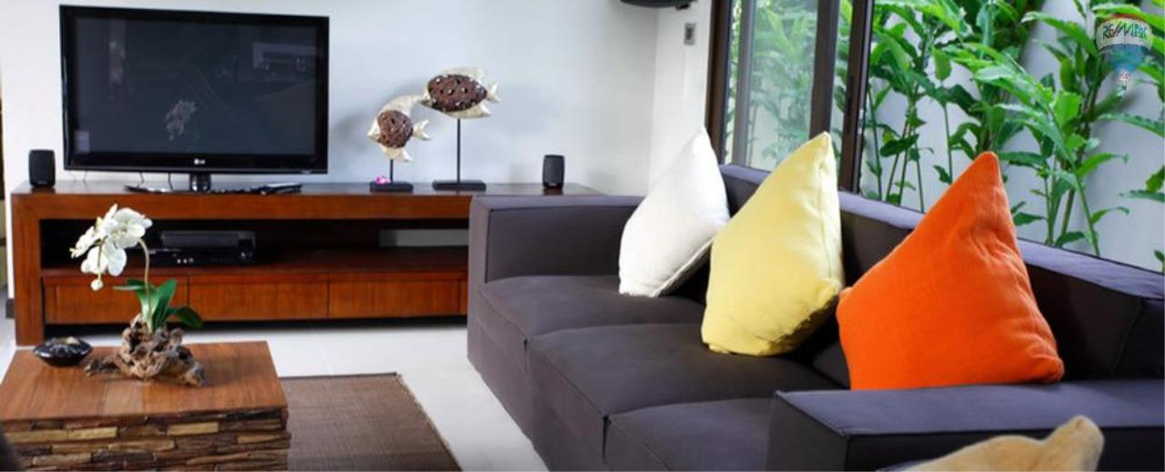 RE/MAX Top Properties Agency's For Sale Luxury Villa Naiharn Phuket 131