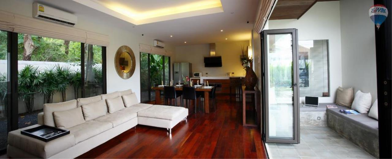 RE/MAX Top Properties Agency's For Sale Luxury Villa Naiharn Phuket 132