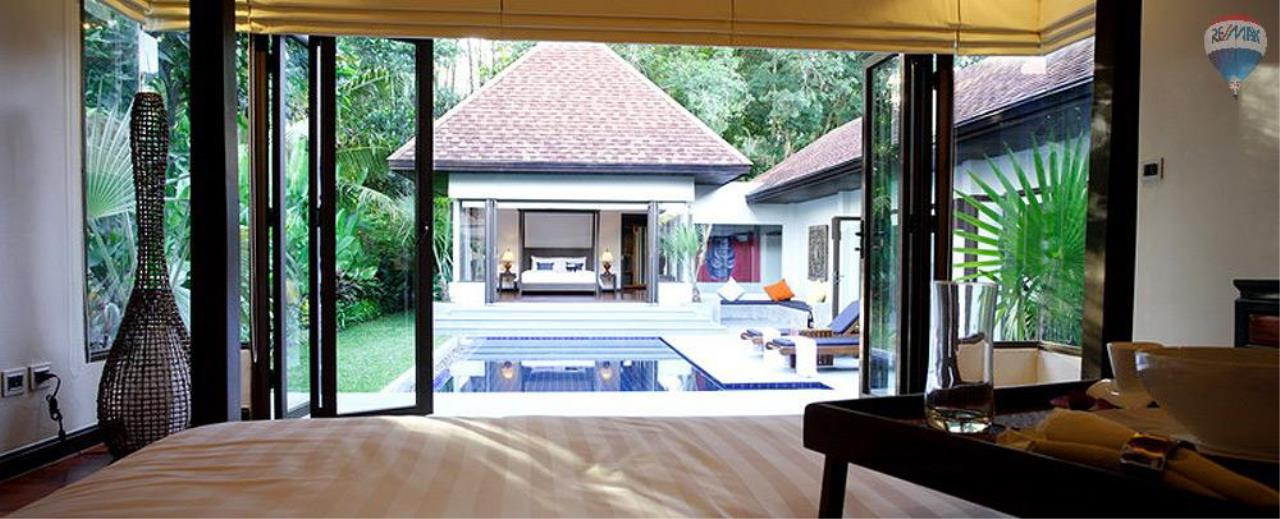 RE/MAX Top Properties Agency's For Sale Luxury Villa Naiharn Phuket 14