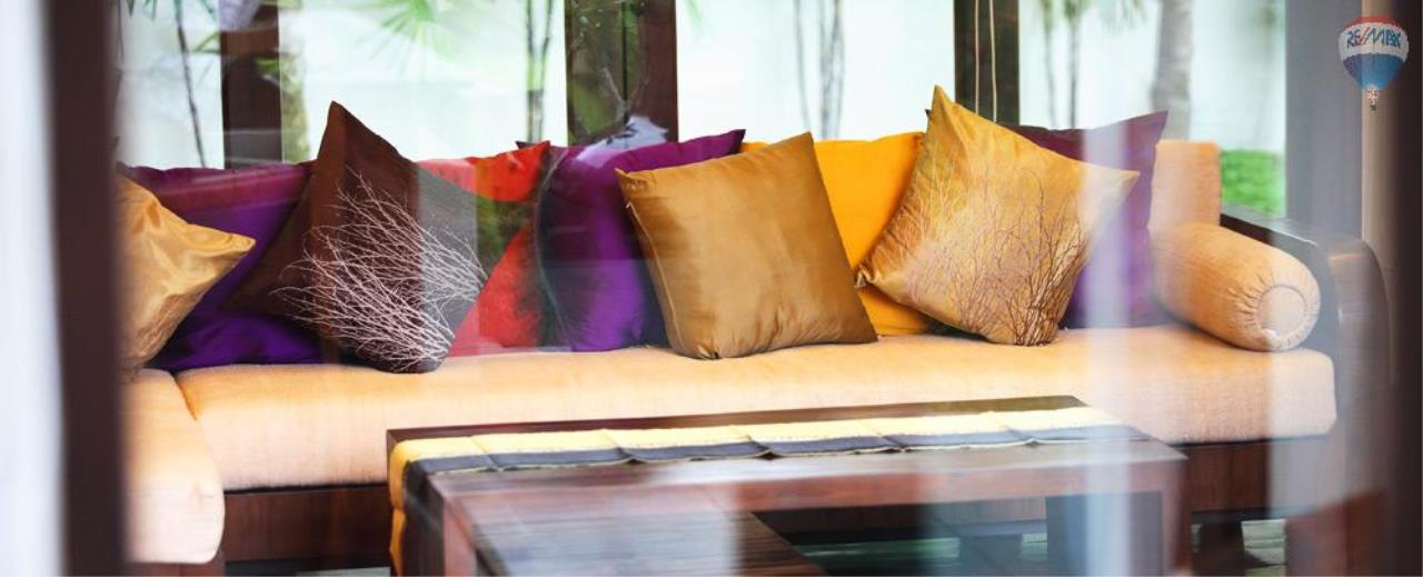 RE/MAX Top Properties Agency's For Sale Luxury Villa Naiharn Phuket 17