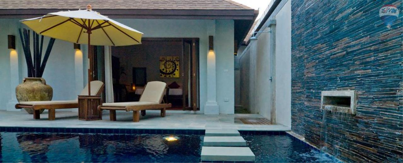 RE/MAX Top Properties Agency's For Sale Luxury Villa Naiharn Phuket 23