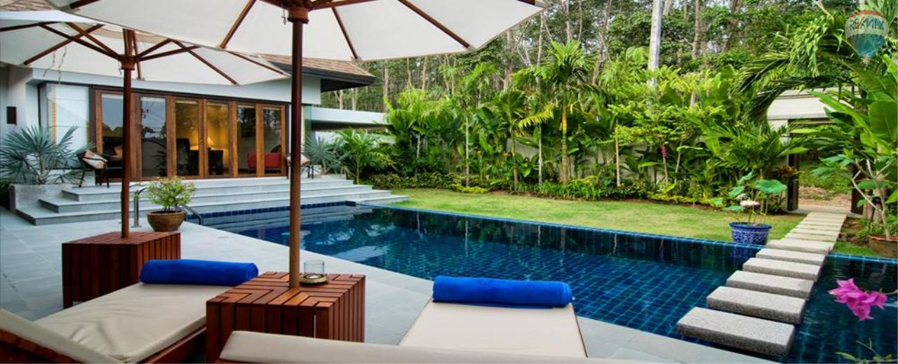 RE/MAX Top Properties Agency's For Sale Luxury Villa Naiharn Phuket 35