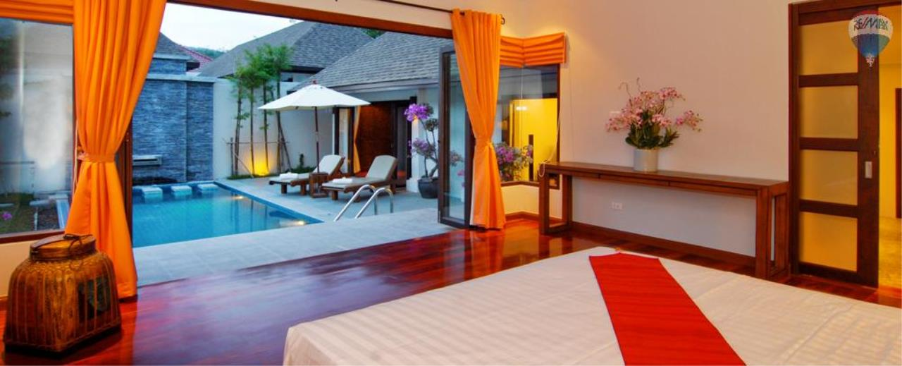 RE/MAX Top Properties Agency's For Sale Luxury Villa Naiharn Phuket 36