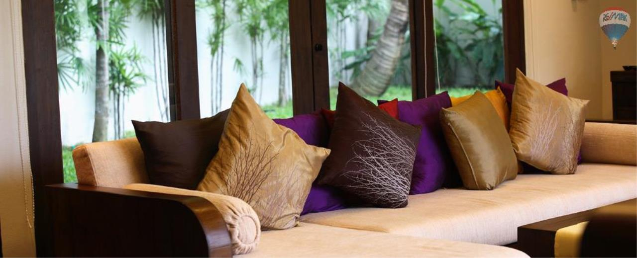RE/MAX Top Properties Agency's For Sale Luxury Villa Naiharn Phuket 38