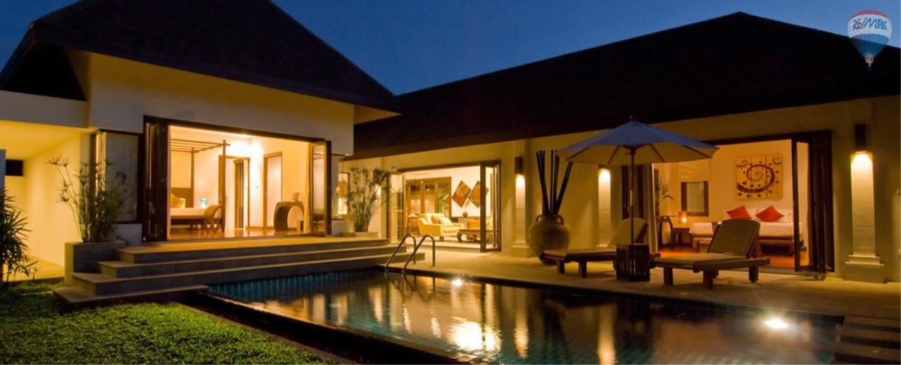 RE/MAX Top Properties Agency's For Sale Luxury Villa Naiharn Phuket 39