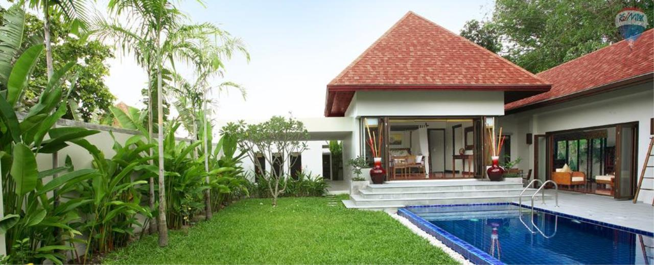 RE/MAX Top Properties Agency's For Sale Luxury Villa Naiharn Phuket 40