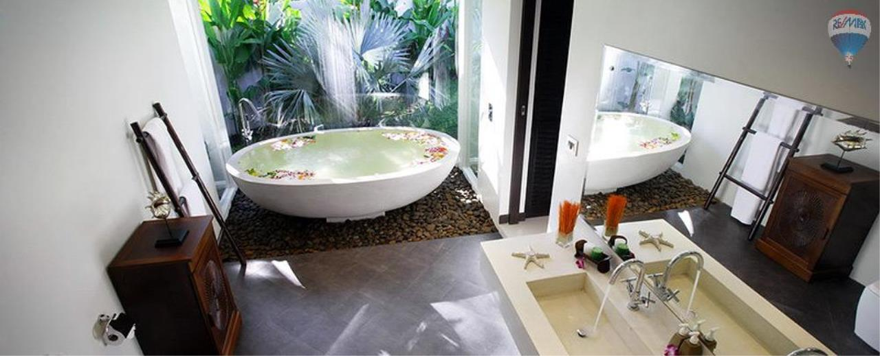 RE/MAX Top Properties Agency's For Sale Luxury Villa Naiharn Phuket 52