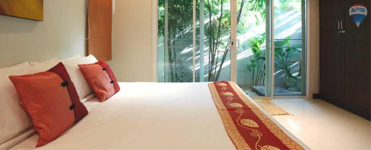 RE/MAX Top Properties Agency's For Sale Luxury Villa Naiharn Phuket 90
