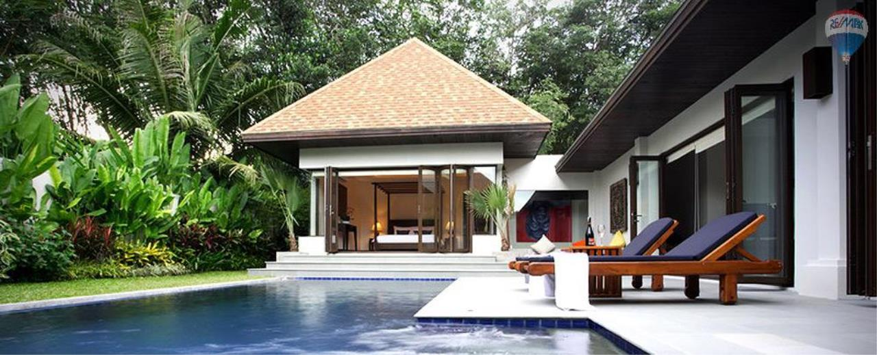 RE/MAX Top Properties Agency's For Sale Luxury Villa Naiharn Phuket 92