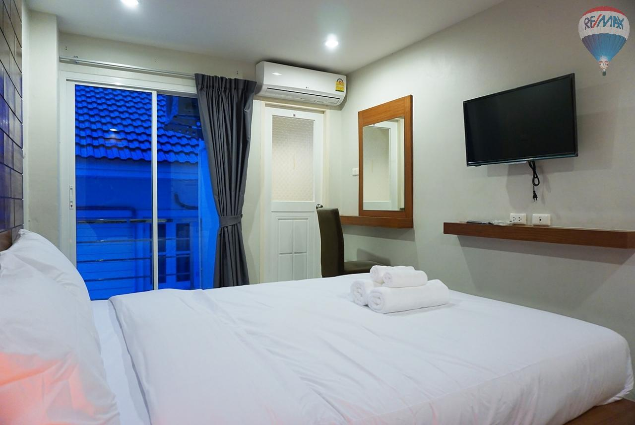 RE/MAX Top Properties Agency's 8 Rooms Guesthouse For Rent Patoong Beach NO KEY MONEY 9