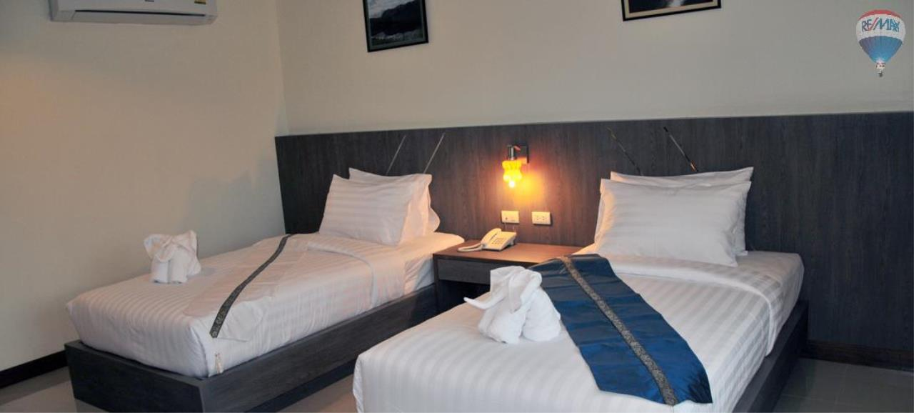 RE/MAX Top Properties Agency's 28 Rooms Hotel with Lift For Sale Patong Beach Cheap Rental  12