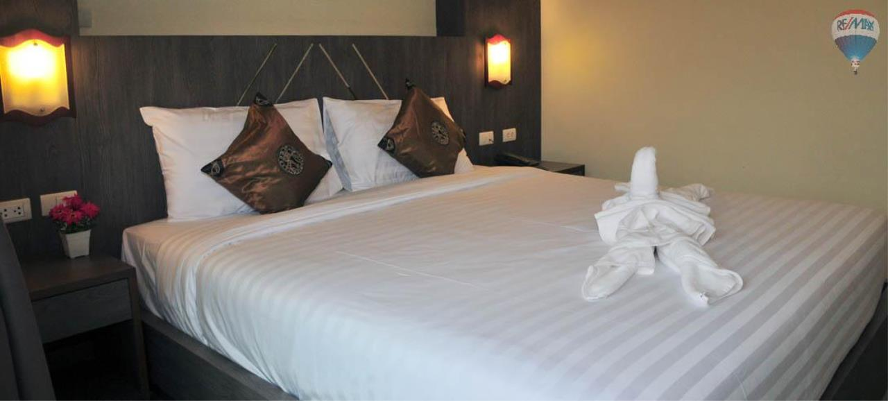 RE/MAX Top Properties Agency's 28 Rooms Hotel with Lift For Sale Patong Beach Cheap Rental  13