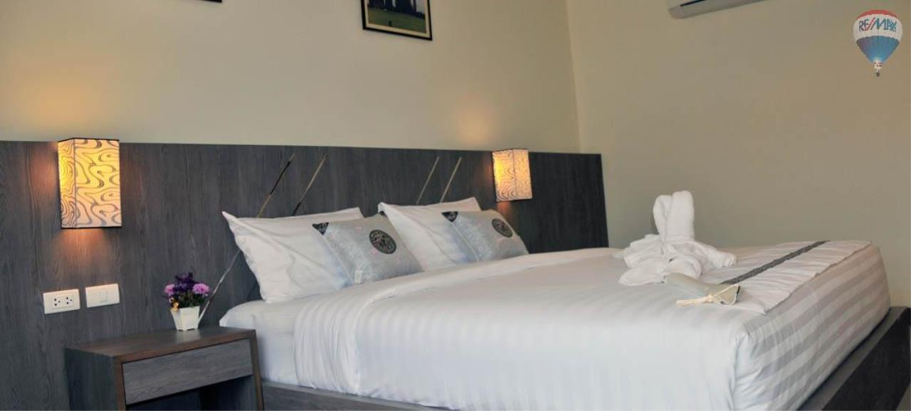 RE/MAX Top Properties Agency's 28 Rooms Hotel with Lift For Sale Patong Beach Cheap Rental  17