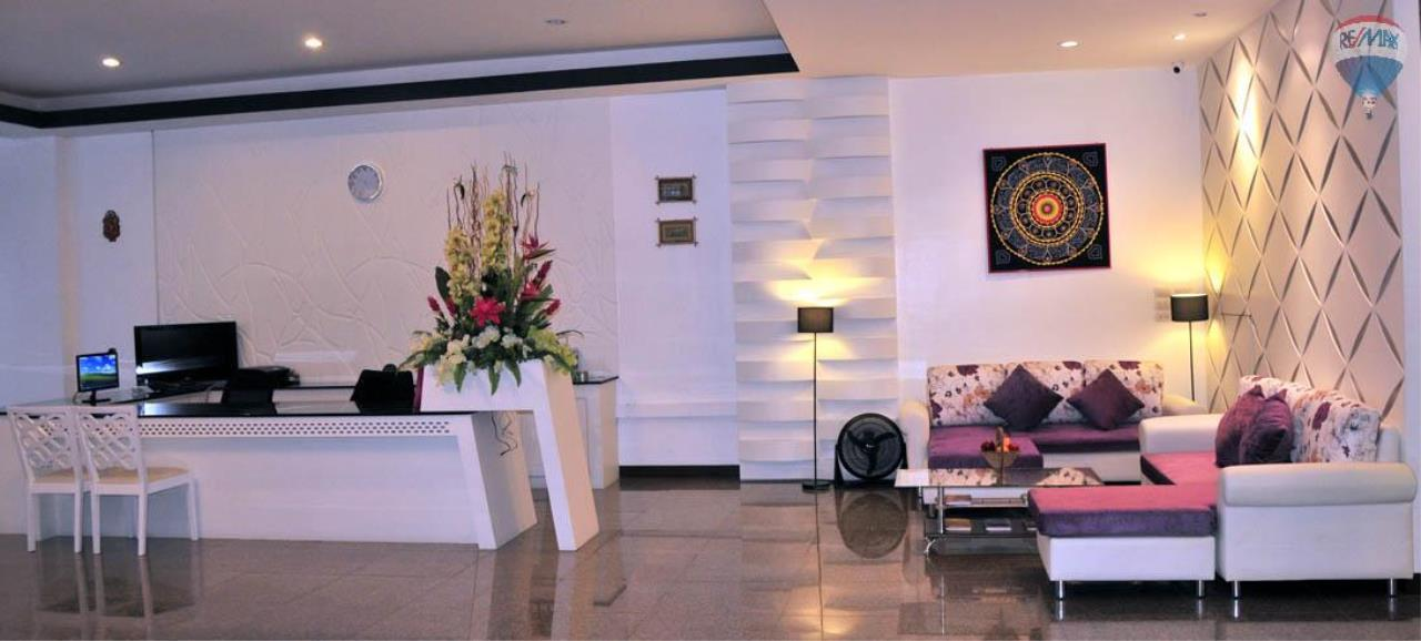 RE/MAX Top Properties Agency's 28 Rooms Hotel with Lift For Sale Patong Beach Cheap Rental  2