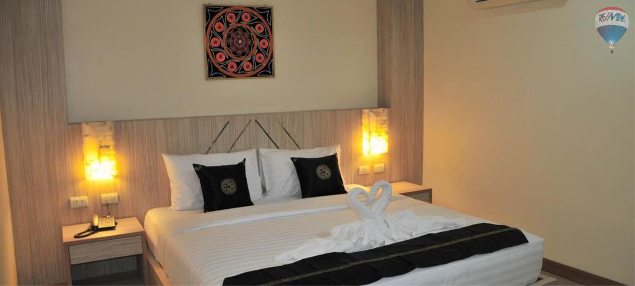 RE/MAX Top Properties Agency's 28 Rooms Hotel with Lift For Sale Patong Beach Cheap Rental  9